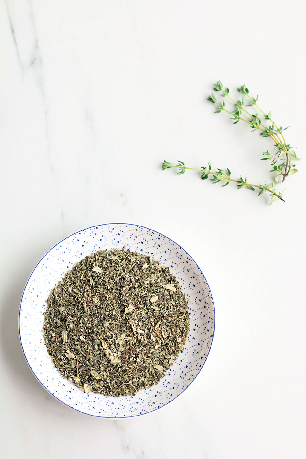 Homemade Mediterranean herb mix recipe: Perfect for seasoning grilled fish, meat and vegetables! https://www.spotebi.com/recipes/mediterranean-herb-mix-recipe/