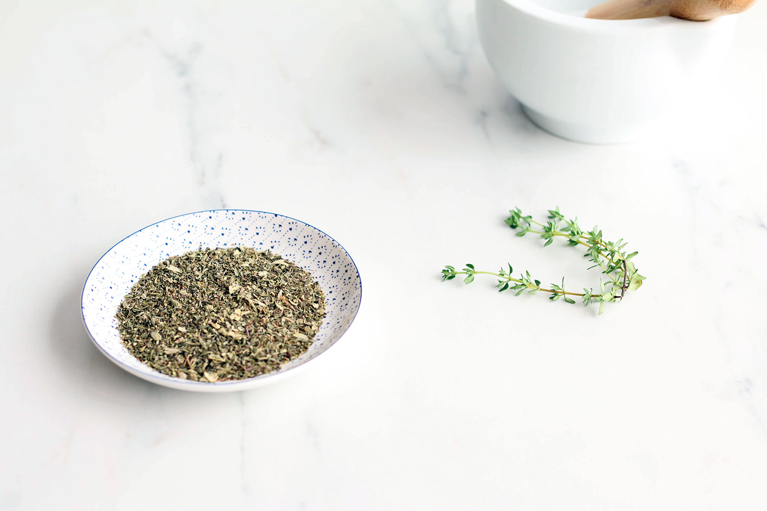 Cupboard Essentials Checklist: 5 homemade herb and spice blends recipes from around the world! https://www.spotebi.com/nutrition/5-homemade-herb-spice-blends-recipes/