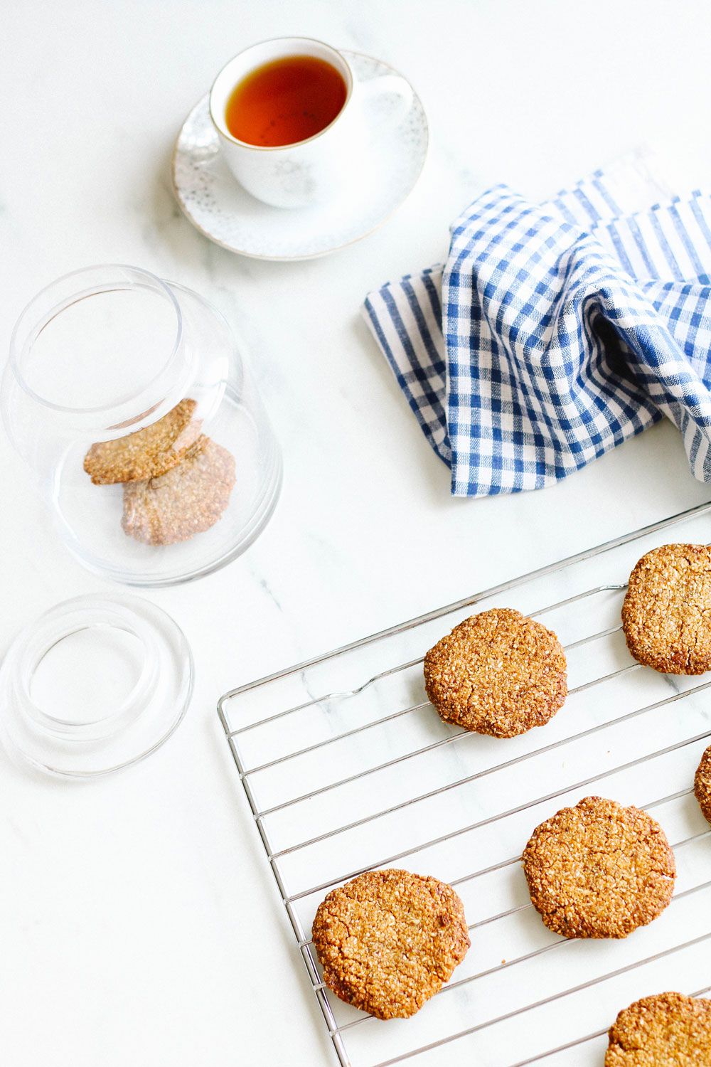 These crispy crunchy melt-in-your-mouth coconut almond cookies, made with healthful ingredients, are perfect for easing your sweet tooth or soothing a mean period craving! https://www.spotebi.com/recipes/crispy-crunchy-melt-in-your-mouth-coconut-almond-cookies/