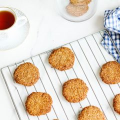 Crispy Crunchy Melt-in-Your-Mouth Coconut Almond Cookies Recipe / @spotebi