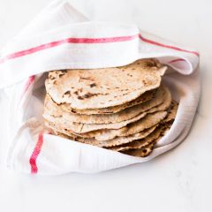 Easy 6-Ingredient Spelt Tortillas Recipe / @spotebi