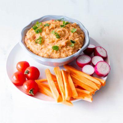 White Bean and Roasted Red Pepper Dip Recipe / @spotebi