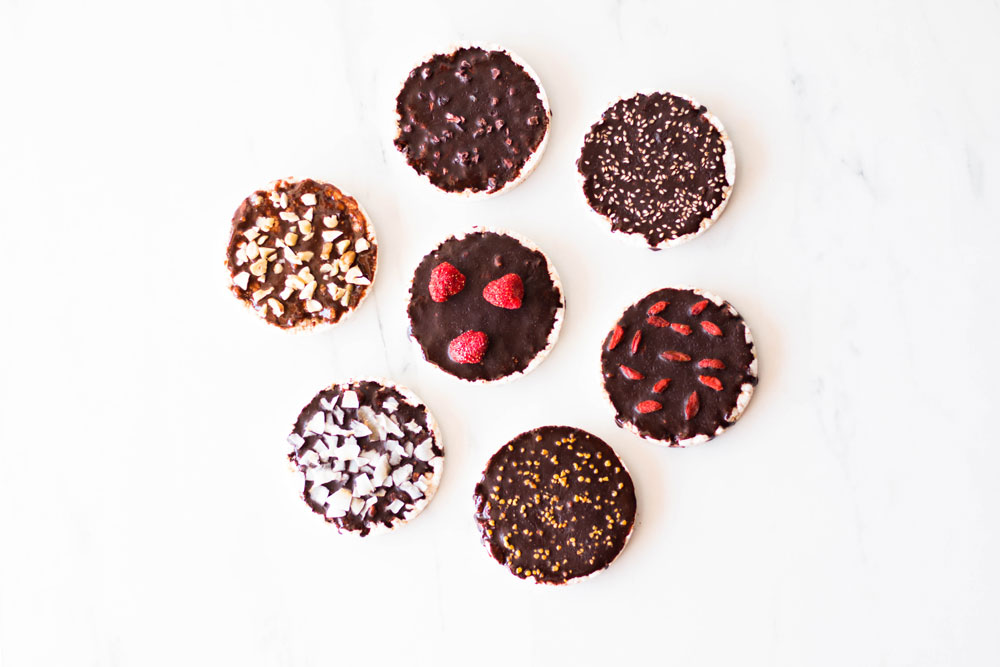 Today we're sharing two homemade chocolate recipes for you to choose from, a yummy cacao and peanut butter chocolate and a decadent dark chocolate recipe made with cacao and coconut butters. Each recipe yields enough chocolate to cover 4 rice cakes, and you can easily adjust the amount of raw cacao powder and honey to your liking. https://www.spotebi.com/recipes/rice-cakes-naturally-sweetened-homemade-chocolate/