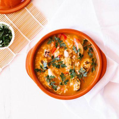 One-Pot Spanish Seafood Rice Recipe / @spotebi
