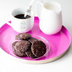 Gluten-Free & Sugar-Free Crunchy Carob Cookies Recipe / @spotebi