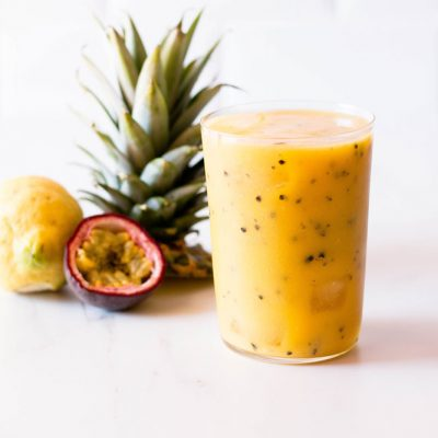 Passion Fruit, Mango & Pineapple Tropical Smoothie Recipe / @spotebi