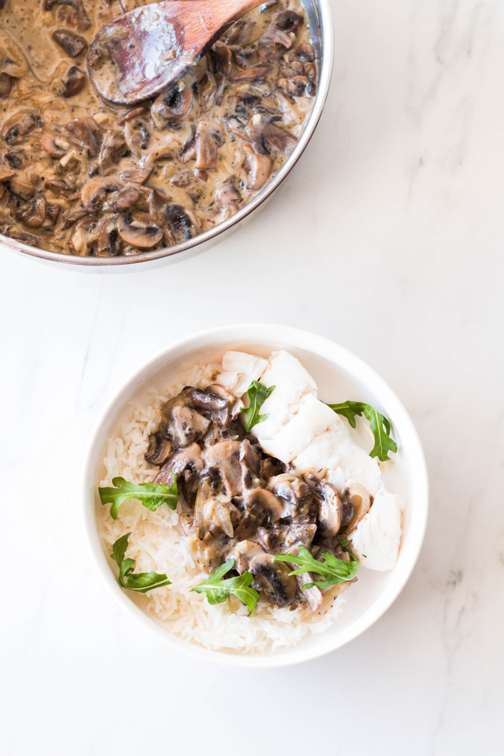 This creamy mushroom sauce recipe can transform your meals and take them up another notch. This sauce rescues the most boring of plates and helps you elevate basic foods into complex, vibrant-tasting dishes. It jazzes up grain bowls, and instantly turns proteins like white fish into a dinner you'd probably pay a lot for at a restaurant. https://www.spotebi.com/recipes/creamy-mushroom-sauce-recipe/