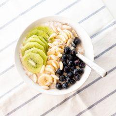 Immunity-Boosting Oatmeal Breakfast Bowl Recipe / @spotebi