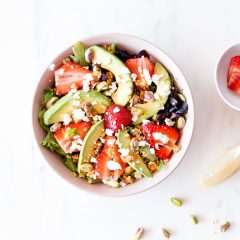 Strawberry, Avocado & Feta Summer Salad Recipe / @spotebi